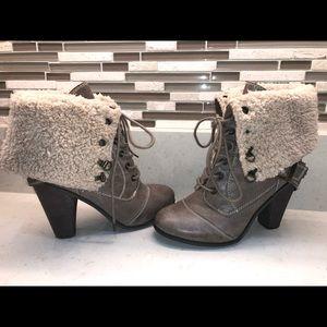 Nine West Faux Fur Booties! 👢